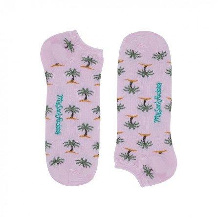jolies-socquettes-rose-motifs-palmiers-femme-presentation-plat